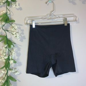 Silky black mid short SPANX size Small
